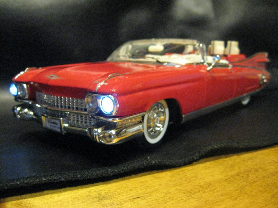 '59 Cadillac Convertible with a killer Overdrive/boost guitar effect pedal built into it. All hand wired on Printed circuit board using carbon composition resistors and audio capacitors. This build also utilizes a RC4558P chip for great performance.