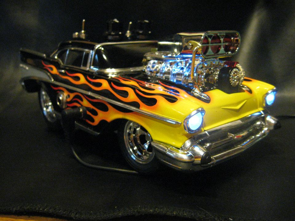 1:18 scale '57 Chevy. Gear used: fender Pawn Shop '51, Roland Cube 20x. This is a hot rodded Tube Screamer based circuit with Mods. Circuit is based on a mix of components from a couple of swirly painted pedal makers(don't want to name them) but they are very, very awesome. This is not a replica of either of them but a mix of great ideas and component choices.