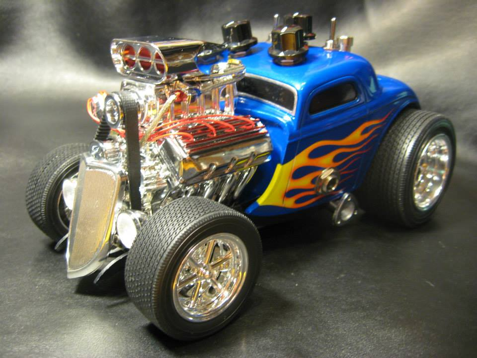 1:18 scale Ford Hot Rod. Gear used: fender Pawn Shop '51, Roland Cube 20x. This is a hot rodded Tube Screamer based circuit with Mods. Circuit is based on a mix of components from a couple of swirly painted pedal makers(don't want to name them) but they are very, very awesome. This is not a replica of either of them but a mix of great ideas and component choices.