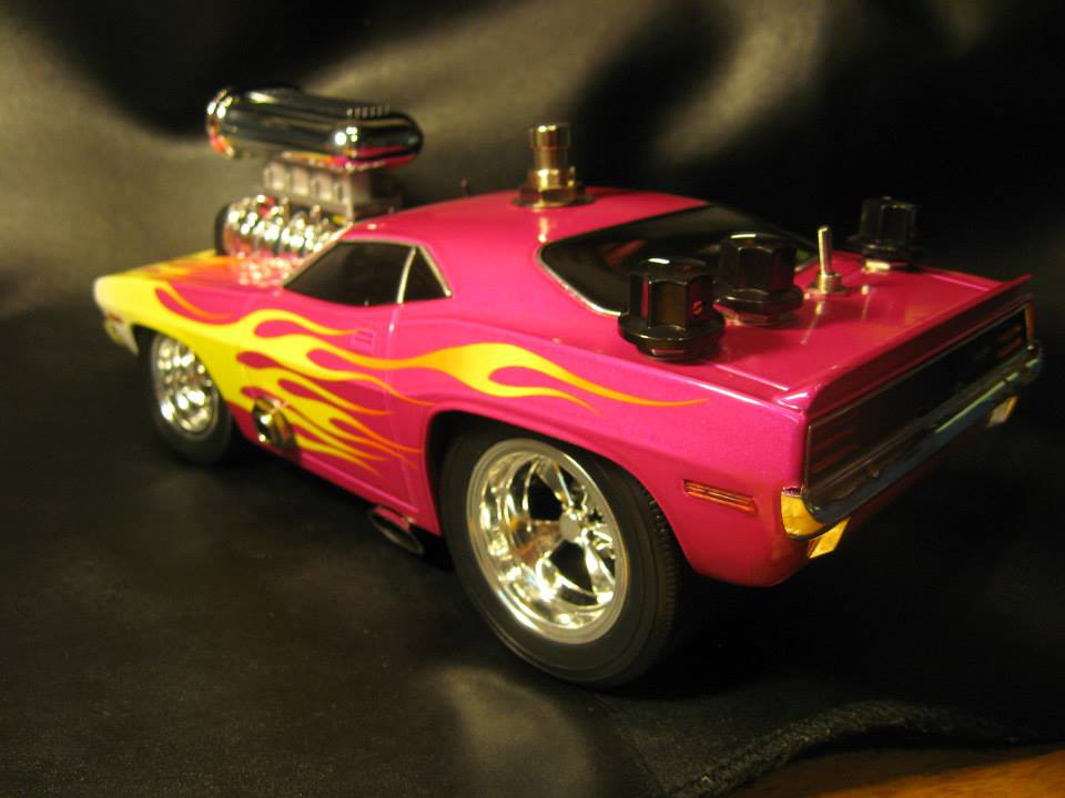 1:18 scale '70 'Cuda Overdrive/Boost. this will be auctioned and all proceeds will be donated to the fight against breast cancer. This is one of many projects that I do that will be donated to various causes. Gear used: fender Pawn Shop '51, Roland Cube 20x. This is a Tube Screamer based circuit with Mods. The components used were based on Robert Keeley's awesome work with TS pedals. this is not a replica of Keeley's work. I just used some of the his component choices which are fantastic for this type of circuit.