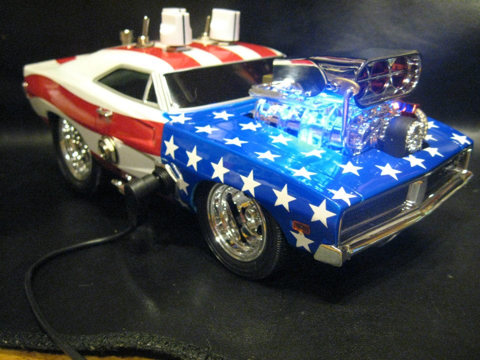 This was built as a salute to our troops and veterans. Proceeds of the sale with be donated to help severely disabled veterans and their families. 1:18 scale '69 Dodge Charger with a with a killer Overdrive/boost guitar effect pedal built into it. All hand wired on Printed circuit board using all premium components. This build also utilizes a RC4558P chip for great performance. Gear used: fender Pawn Shop '51, Fender Supersonic 1x12 combo. This is a hot rodded Tube Screamer based circuit with Mods.