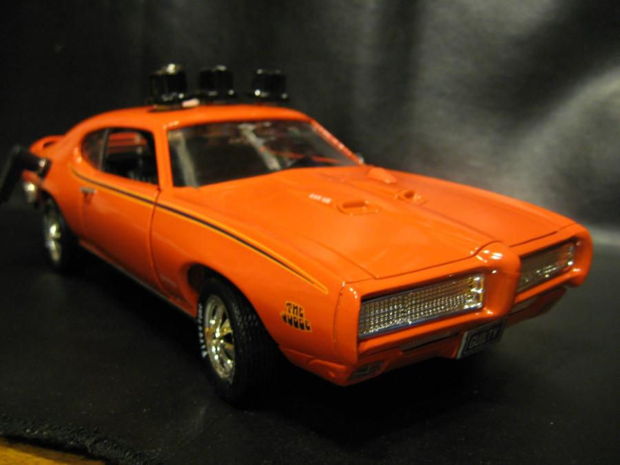 "Custom made for Christopher Bloomer. 1:18 scale 1969 Pontiac GTO ""The Judge"" with a hand wired, killer Overdrive/Boost."