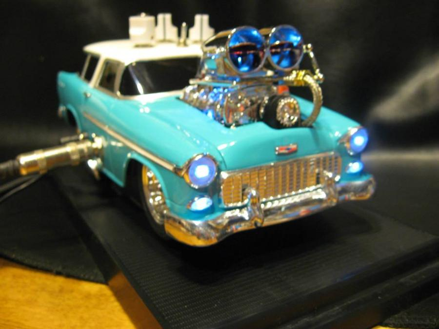3 voicing Distortion pedal built into a 1:18 scale '55 Chevy Nomad.
